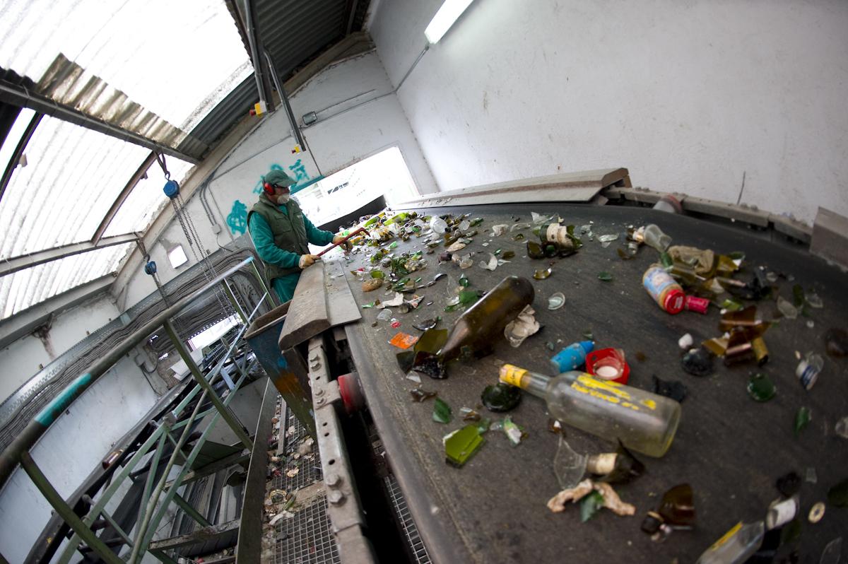 La cadena del reciclado de vidrio 1 la planta de - Fabricas de cristal en espana ...