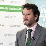El presidente de Ecovidrio atendiendo a la prensa