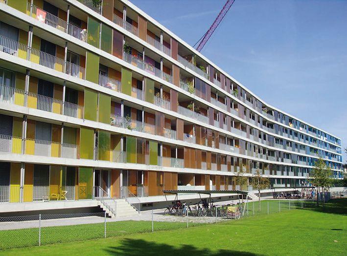 Seis edificios sostenibles donde te encantar a vivir for Residencia para universitarios
