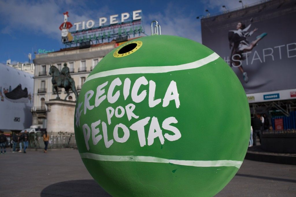 #Reciclaporpelotas Puerta del Sol - Contenedor Ecovidrio