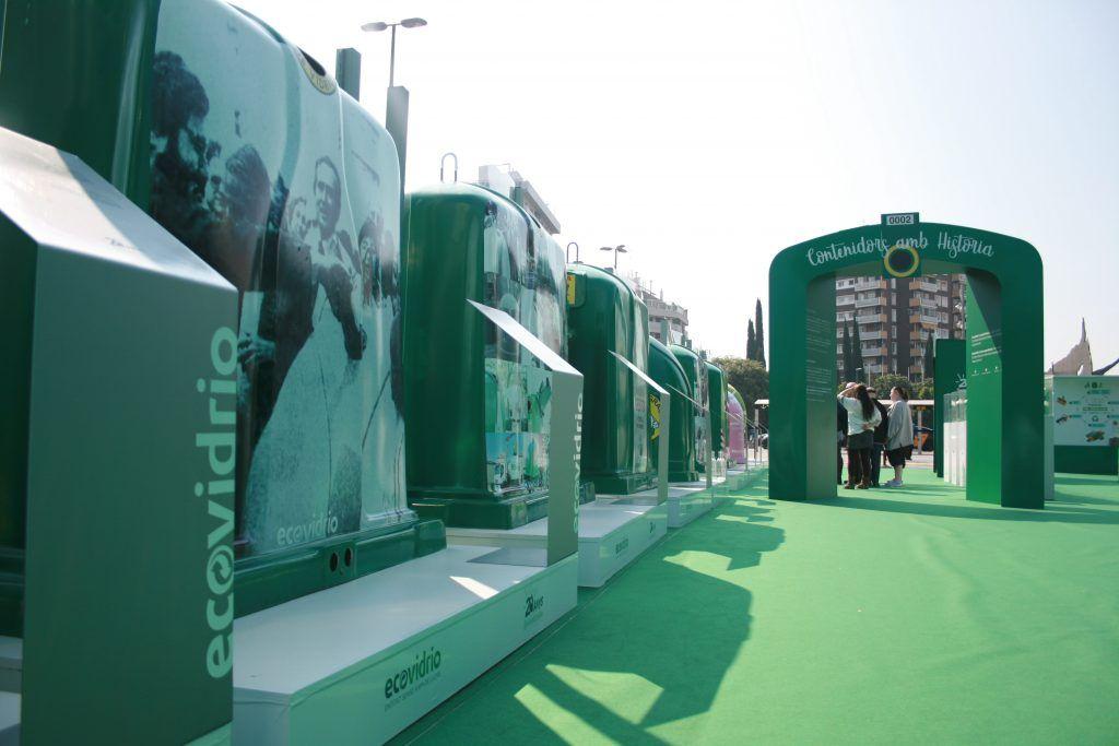contenedor-verde-de-reciclaje-ECOVIDRIO-RoadshowEspana