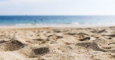 habitos-ciudadanos-en-las-playas-del-mediterraneo-ECOVIDRIO