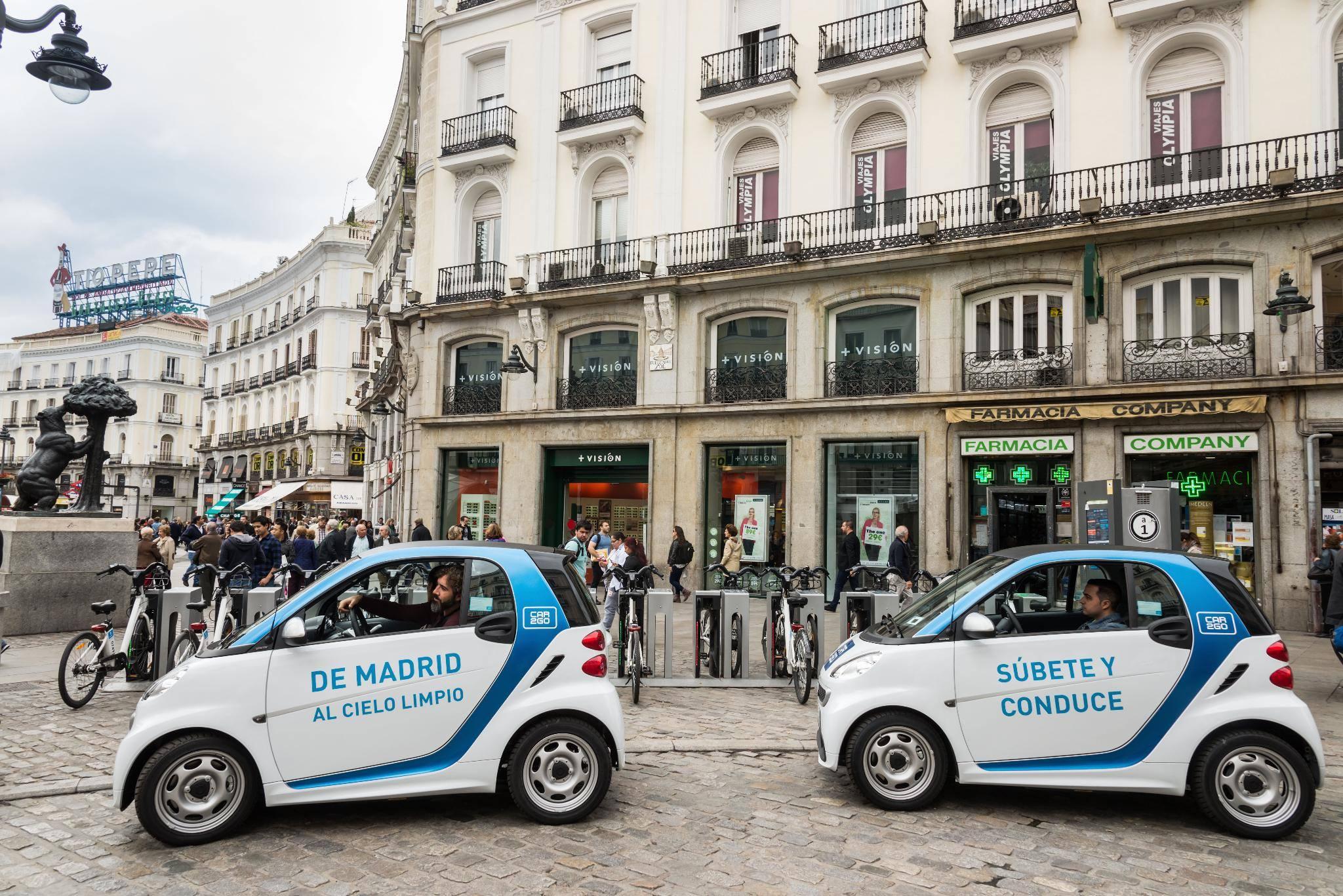 movilidad-urbana-sostenibilidad-coche-electrico-compartido-ECOVIDRIO