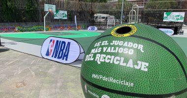 Vidrio reciclado usos: contenedor pelota