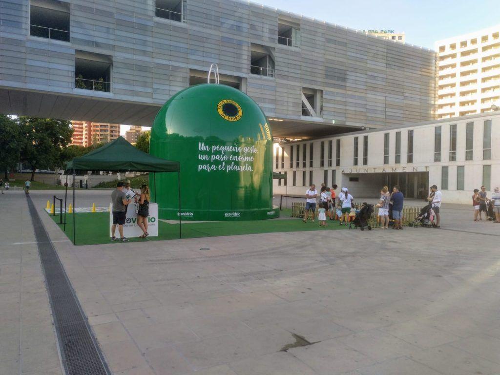 recicla vidrio y pedalea - contenedor gigante