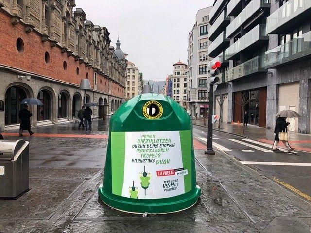 recicla vidrio y pedalea - contenedores vinilados