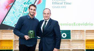 """Recogida de premio """"Mejor iniciativa digital"""" - Premios Ecovidrio"""