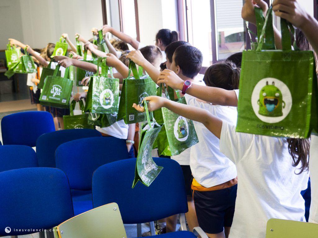 Ecovidrio y Raíces & Brotes unen fuerzas a través de talleres ambientales para llevar el reciclaje a las aulas de Tenerife - 1