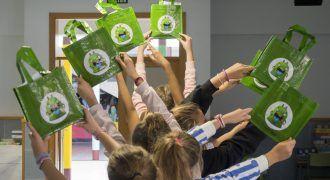 Ecovidrio y Raíces & Brotes unen fuerzas a través de talleres ambientales para llevar el reciclaje a las aulas de Tenerife - principal