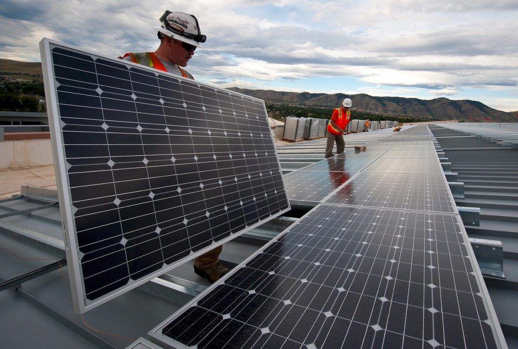 placas solares para cumplir los tratados internacionales del medio ambiente más importantes