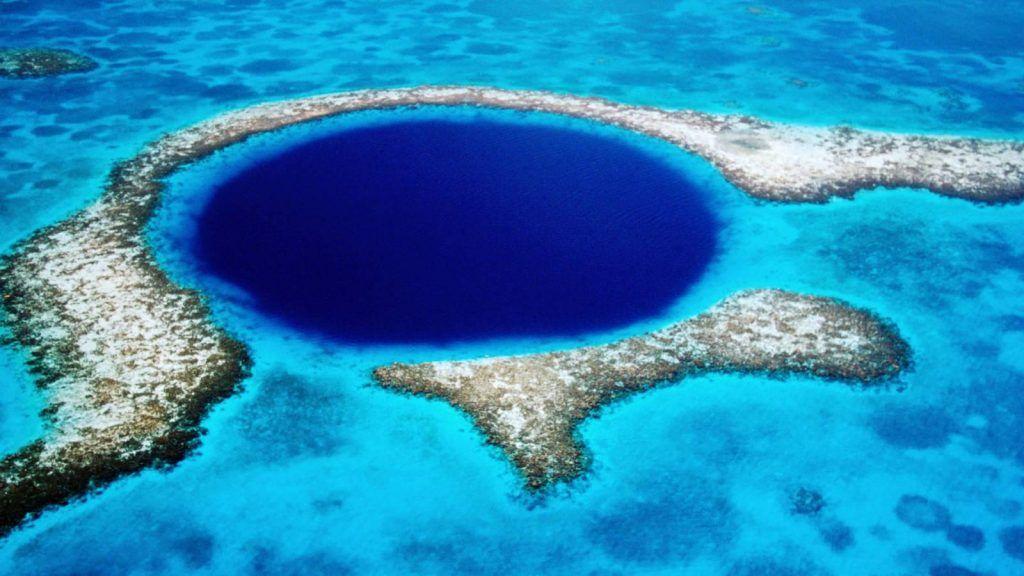 destinos fascinantes: gran agujero azul