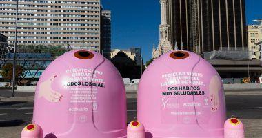 """""""Recicla Vidrio Por Ellas"""" contenedores color rosa"""