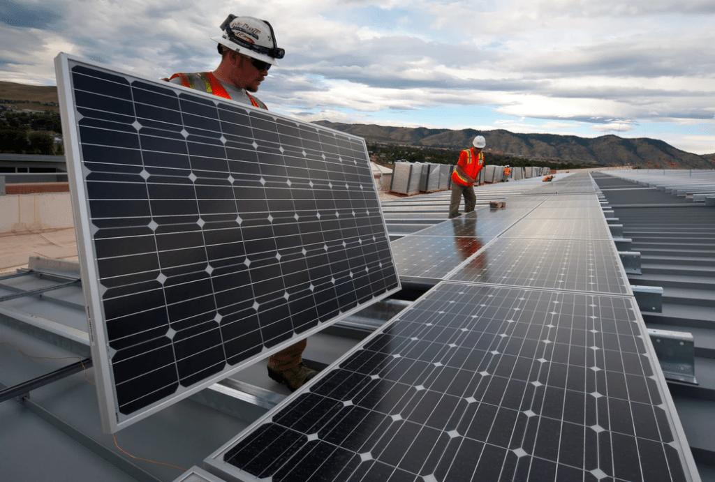 Instalando placas o paneles solares