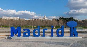letras de vidrio reciclado de Madrid