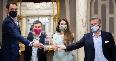 representantes ayuntamiento valencia trofeo vidrio reciclado