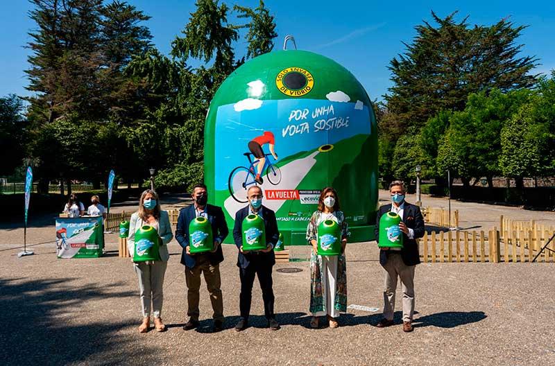 contendor gigante reciclaje Ecovidrio en Santiago de Compostela